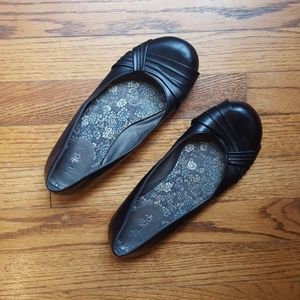 Mudd black flats size 8